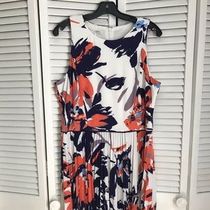 Maggy London printed jersey accordion pleat dress
